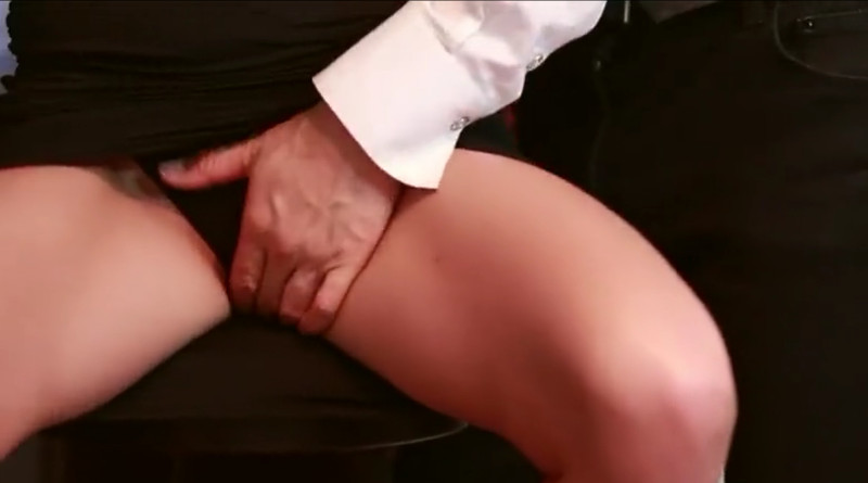 Masturbazione reciproca in Metropolitana