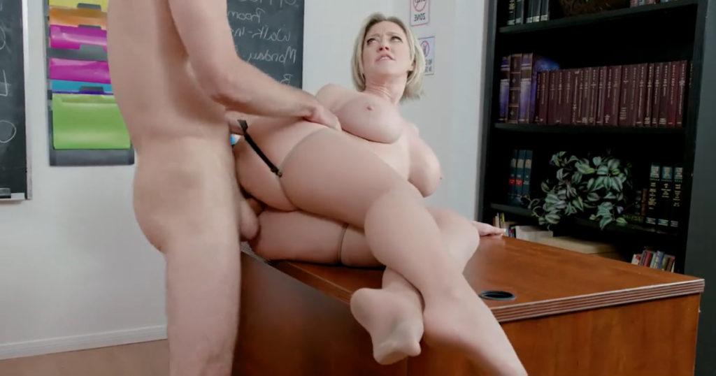 Studente scopa la professoressa